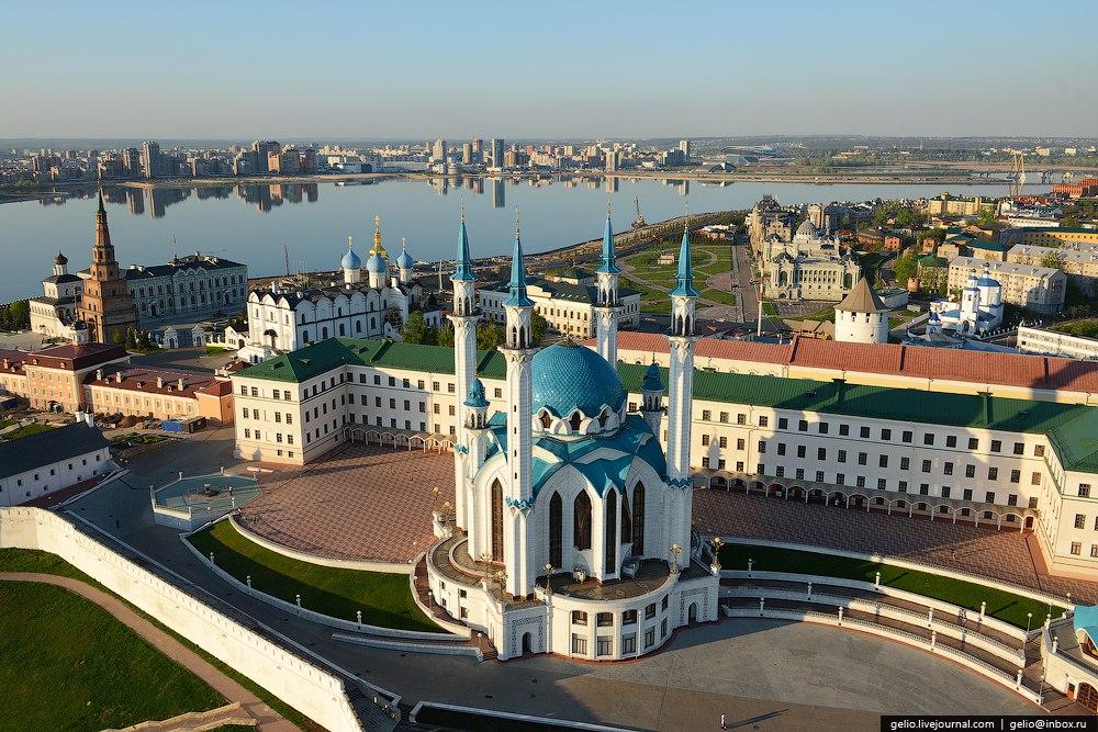 Памятник с сердцем Изербаш памятник из цветного гранита Усть-Лабинск